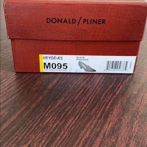 Donald Pliner women shoes
